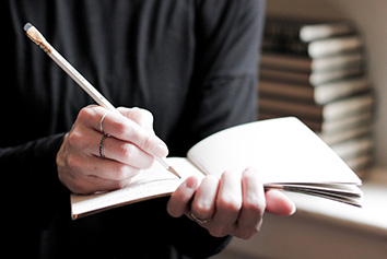 Vi skriver professionelle tekster på både dansk og engelsk. Content Communicaitons